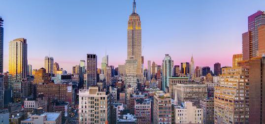 """(USA) Still Entertaining, Mae West's """"Diamond Lil"""" Makes New Fans in New York City"""